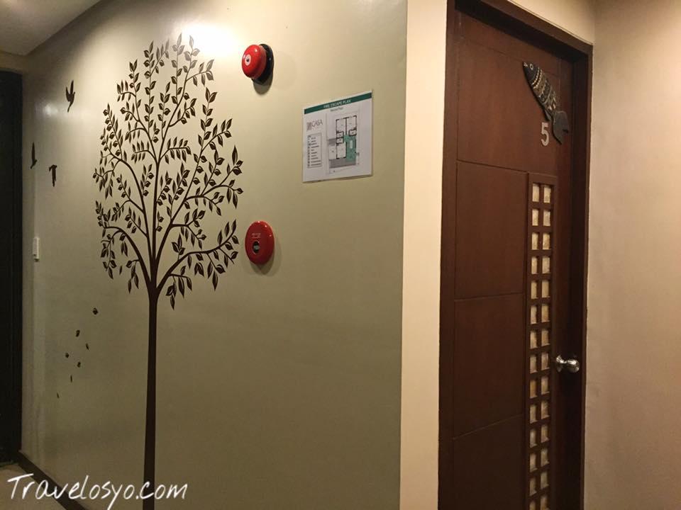 Casa coron hallway